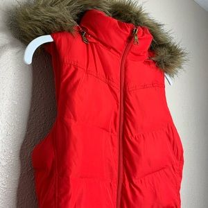 BANANA REPUBLIC Red Puffer Vest with Faux Fur Trim